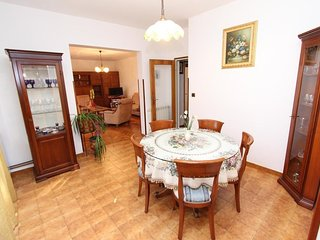 Holiday home 193674 - Holiday apartment 234498