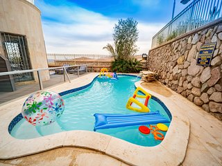 Private pool 3BR Sea view