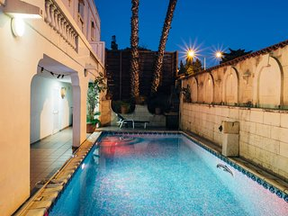 Beautiful Villa with pool in St Julians