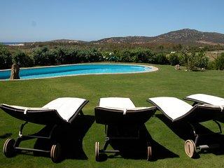 Stupenda villa raffinata con infinity-pool, vista panoramica, tutto molto curato