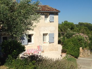 Charming Cosy country house with private pool & garden 15mn walking to Cotignac