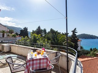Holiday Home Patricija-Duplex Three Bedroom Apartment with Balcony and Sea View