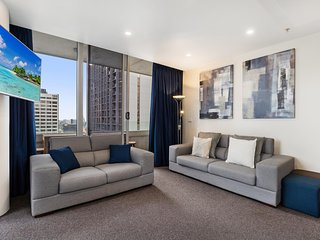 Luxe Melbourne CBD Apartment with Gym and Pool