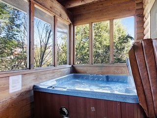 Charming duplex cabin with private hot tub and indoor community pool!
