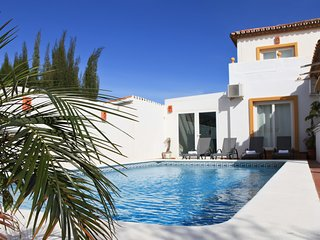 Luxury Villa sleeps 9. Private pool, Jacuzzi, Private Gym, Parking, Sea views.