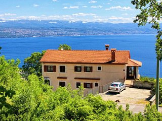 Lovran Apartment Sleeps 4 with Air Con and WiFi - 5460547