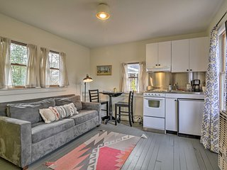 NEW! Cozy Carrboro Cottage - Perfect for Couples!