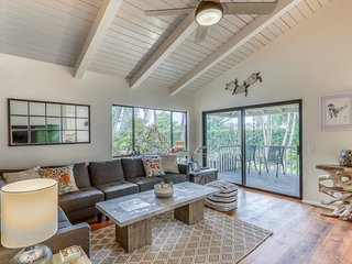 Calming home w/ views of Napali, big yard, full kitchen, & private gas grill!