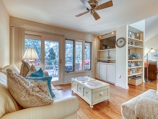 Charming family home in Sea Pines close to golf & short distance to the beach!