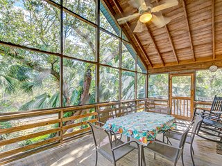 Beautiful SC home with screened porch is within walking distance of the beach!