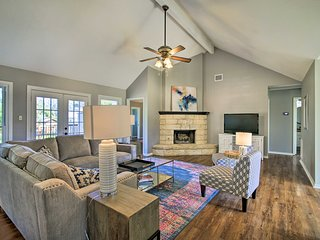 Renovated Home Nestled on Cibolo Creek w/ Fire Pit
