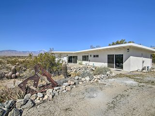 NEW! Desert Home ~5 Mi to Many Natural Hot Springs