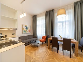 NEW TOWN - 1 BEDROOM 2 BATHROOM JUNGMANN
