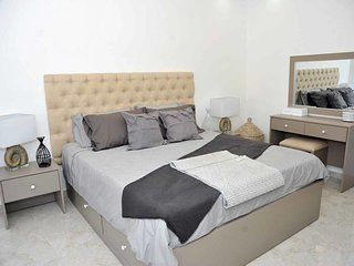 Amazing one Bedroom Apartment in Amman, Elwebdah 2