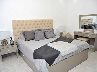 Amazing one Bedroom Apartment in Amman, Elwebdah 9
