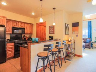 NEW LISTING!  Walk to Restaurants/Rec Center, Small Pet Friendly, Sleeps up to 1
