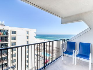 Gulf view condo w/ free WiFi, shared pool, and beach access!