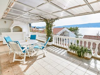 ♥ Sea view Apartment near beach with large terrace overlooking the Bay of Tivat