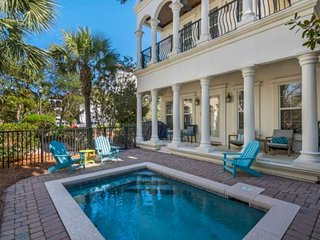 Beautiful Beach Home w/ Private Pool-Gulf Views -150 Yards to Beach-Walk to Shop