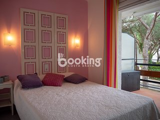 APARTMENT 1 MINUTE FROM THE MAIN BEACH WITH WIFI, BICYCLES AND COMMUNITY GARDEN