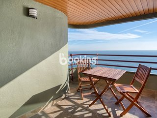 APARTMENT AT THE FIRST LINE OF SEA WITH SPECTACULAR SEA VIEWS