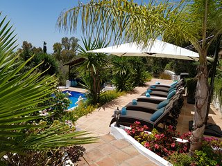 NEW 2020 Superb Villa,Large Private Pool & Wonderful Views Close to Pueblo