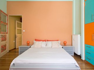 Stay Near the Acropolis in Koukaki Fully Equipped Apt