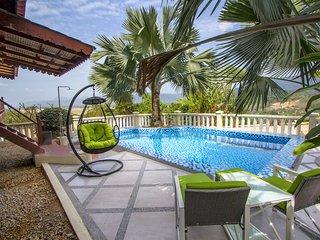 ★The Emerald House ★ Private Pool ★ WOW Holiday Homes ★