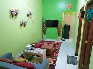 Delavega Guest House Near Tugu JOGJA terletak strategis di pusat kota Yogyakarta