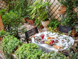 Gritti Terrace - Hidden hanging garden in San Barnaba!