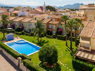 Charming 4-Bed Villa in Denia