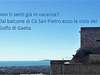 'Cà San Pietro' Casa vacanza nel centro storico di Minturno