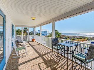 Two-story ocean view penthouse condo - short walk to beach, shops & dining!