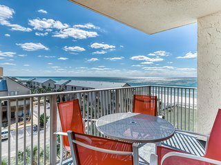 Oceanfront resort getaway w/sea views, shared hot tub & seasonally heated pools