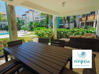 Swim-Up Luxury Beach House 2 bedrooms, Playa Turquesa Ocean Club