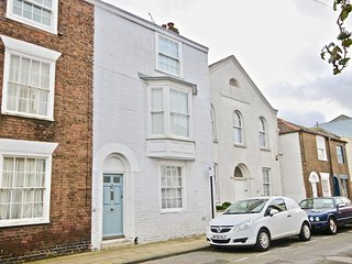 11 Duke Street - Elegant 4 bedroom period townhouse, sleeping 8 people in the co