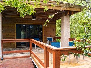 Adorable, Affordable, West Bay - Flip Flop Villa!