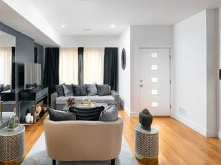 Huge Duplex 4 Bedrooms/3 Baths Next To NYC