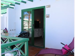 Playa Park,one bedroom apartment ,directly opposite beach,free wifi and air con.
