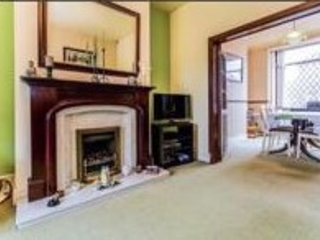 3 Bed Semi Detached House (Furnished)--- Great Transport links to City Center