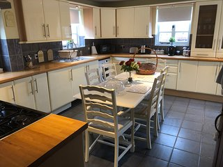 Beautiful 4-Bed House in Telford
