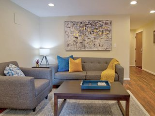 || 3BR || Parking || 400mbps WIFI || CLOSE to DCA
