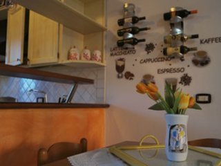 Appartamento piano terra, 2 camere,Wi-fi,Tv satellitare,aria condizionata,centro