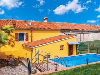 Awesome home in Zminj w/ Outdoor swimming pool, WiFi and Outdoor swimming pool (