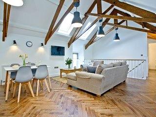 The Barn, 22 At The Beach - This former coach barn has been beautifully refurbis