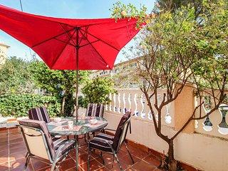 Awesome home in Guardamar del Segura w/ 2 Bedrooms (EBL015)