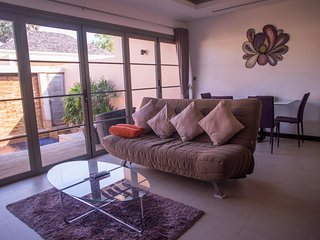 Luxury 1 bedroom pool Villa near beach and shops