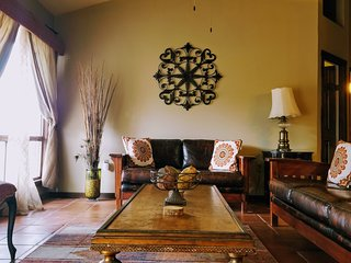 Beautiful, safe home in the heart of Valle de Guadalupe