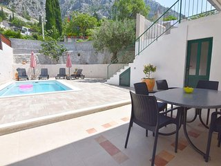 Kotisina Apartment Sleeps 4 with Pool and Air Con - 5833927