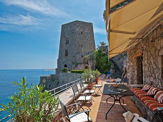 Positano Villa Sleeps 13 with Air Con and WiFi - 5248321